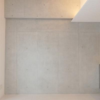 壁は一面コンクリ※写真は前回掲載時のものです。