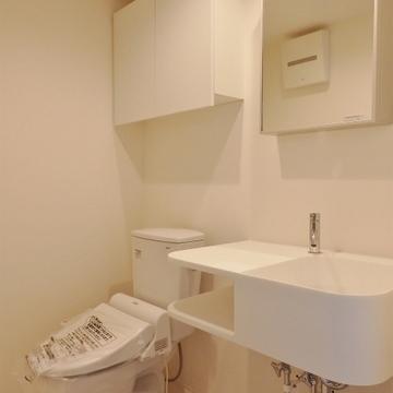 おトイレと洗面台、脱衣所は一緒。※写真は前回掲載時のものです。