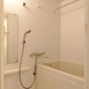 お風呂には浴室乾燥付き