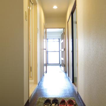 長い廊下でお出迎え