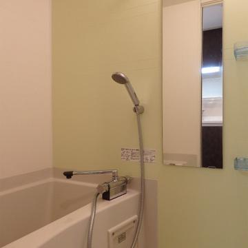 お風呂は浴室乾燥機能付き