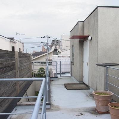 屋上の小さな家
