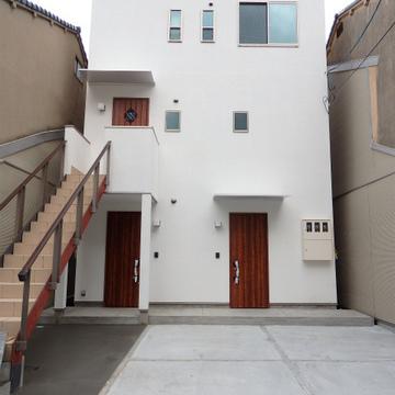 2015年築のアパートメント!!
