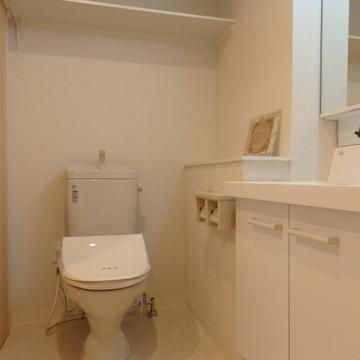 トイレと洗面スペース