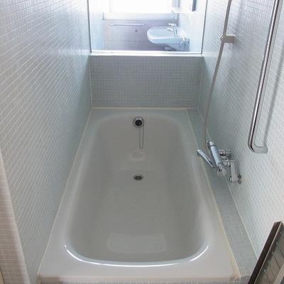 お風呂場はホテルライクです。