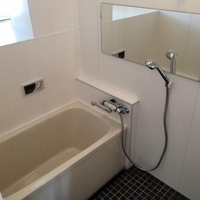 お風呂は完全リニューアル!!綺麗になりました。