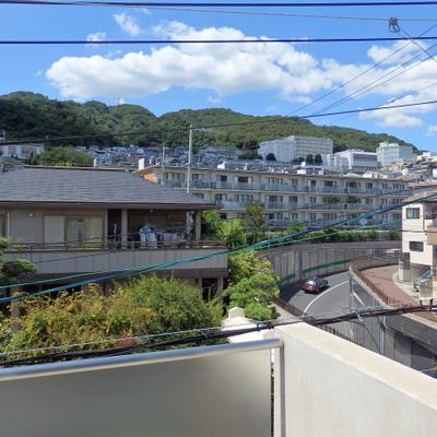 この六甲山の光景よ!!。※写真は1階の同一タイプのお部屋のもの