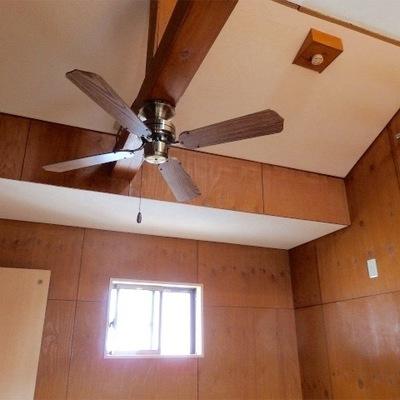 ロフト付き、天井のファンがクールです
