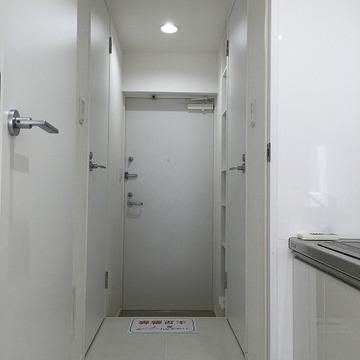 玄関は安心の鍵2箇所