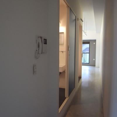 反対側の廊下部分