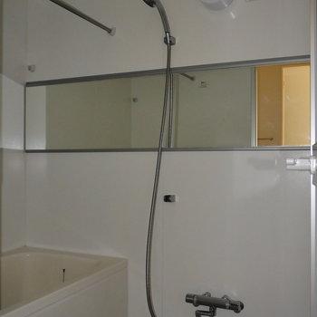 浴室乾燥と、追焚つき。ワイドミラーうれしい!※写真は通電前のものです
