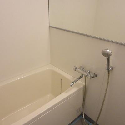 お風呂には横長ミラー