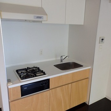 キッチンも大きめで使い易そうです。(写真は別室です)