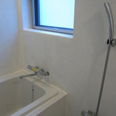 窓のあるお風呂※画像は別室