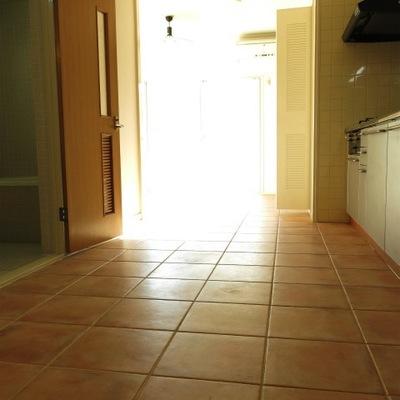 一階だけど、本当に明るい部屋です。