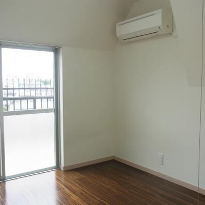 寝室側がは結構狭いので、現地でしっかり確認を