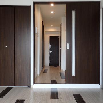 4階のお部屋とは対照的な落ち着いた色合い。