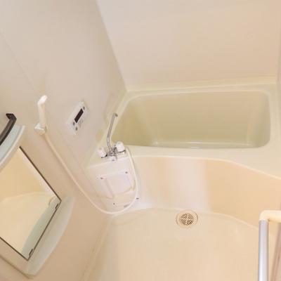 決して広いとはいえませんが、浴室乾燥もついていて便利。