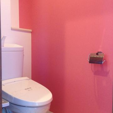 おお、これはピンクのトイレ。。。