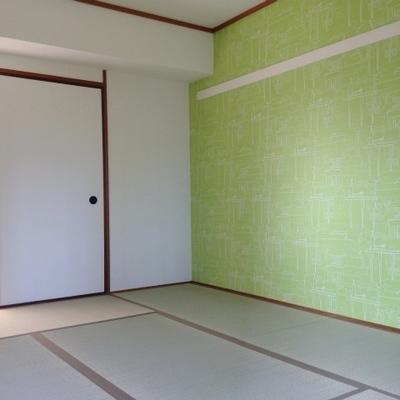 こちらが真ん中のお部屋。