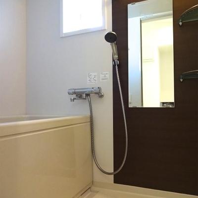 お風呂もキレイです ※写真は別部屋です