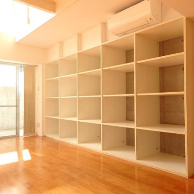 ドデカイ「見せる収納」でお部屋を彩りましょう。