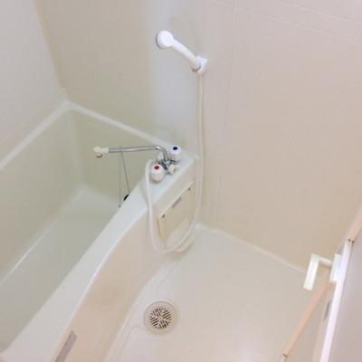 お風呂の広さはまぁまぁ。※写真は、前回撮影時のもの