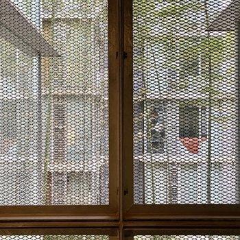 眺望は建物内の中庭。