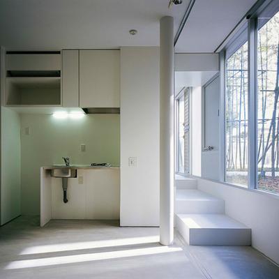 お部屋の内装はシンプルに。