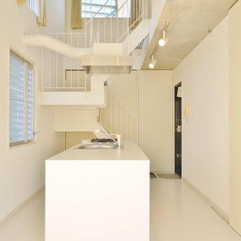 孤高の白厨房