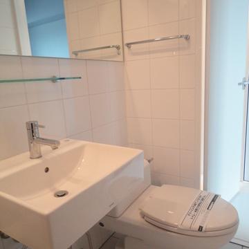 トイレと洗面※写真は別部屋です