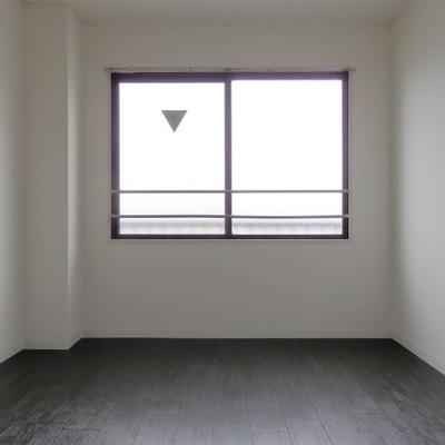 こちらのお部屋は6帖の広さ。