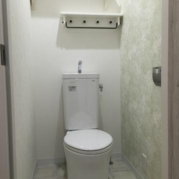トイレ。収納棚ナイス!