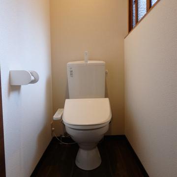 トイレもピカピカ!(2階にもあります)