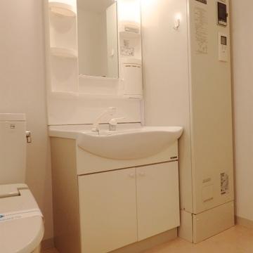 独立洗面台もしっかり確保。