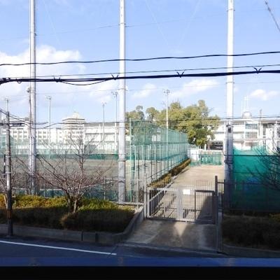 目の前は北野高校です。※写真は前回掲載時のものです。
