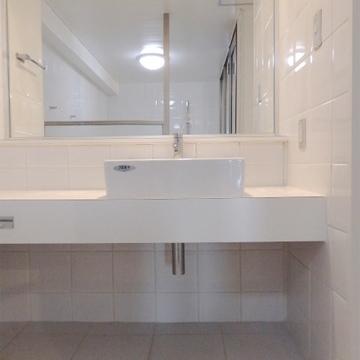 洗面台はシンプルなものを。※写真は前回掲載時のものです。