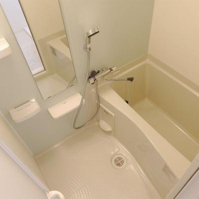 浴室暖房乾燥機がついたお風呂です。
