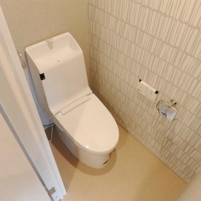 トイレも新しいものを。
