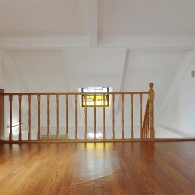 上階は9.5帖の広さ。