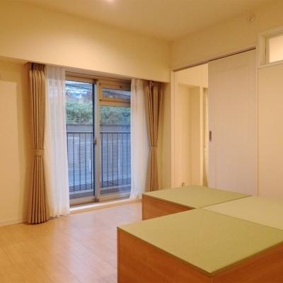 こちらは6.3帖の寝室(※畳ブロックは付いていません)