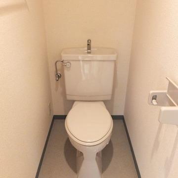 トイレは結構広さがあります。 ※写真は前回募集時のものです