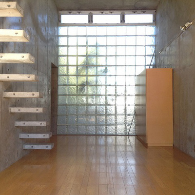 ガラスブロックがきれい※写真は同じ間取りの別室です