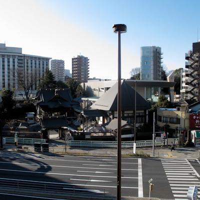 LDK窓からの眺め・・・桜田通りって大きい通りですね。