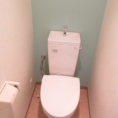 おトイレもアクセントクロスで爽やかに※写真は別部屋です