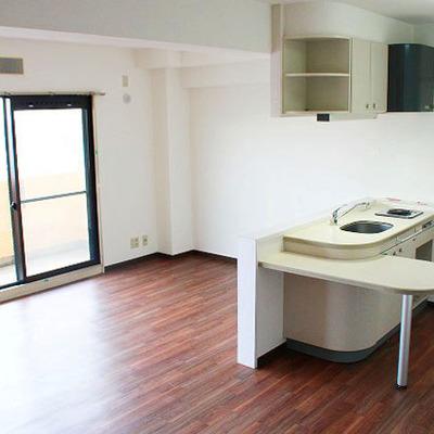 キッチンを中心とした部屋、悪くない。
