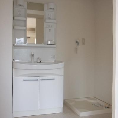 使い勝手良し!な洗面台。※写真は別部屋です