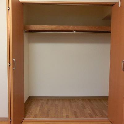 収納は全部で3カ所あるのでお部屋を広く使えるでしょう!