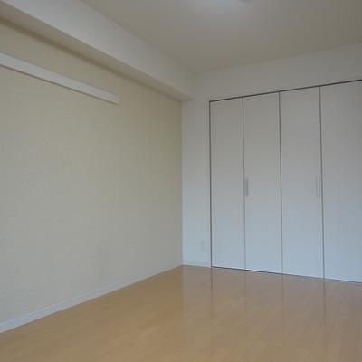 仕切りを使うと1部屋あたりの広さはこのくらい※写真は反転間取り