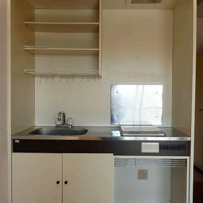 キッチンは既存のIHコンロです。